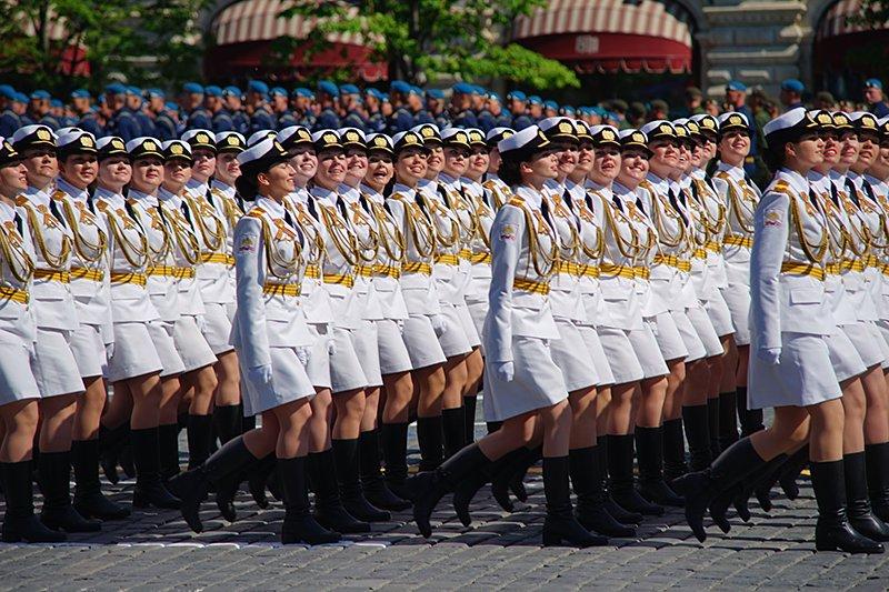 Военно служашие девки в мини юбки фото 637-358