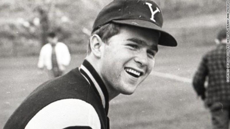 Джордж Буш, бывший президент США.