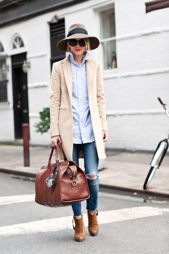 Рваные джинсы – правильные сочетания