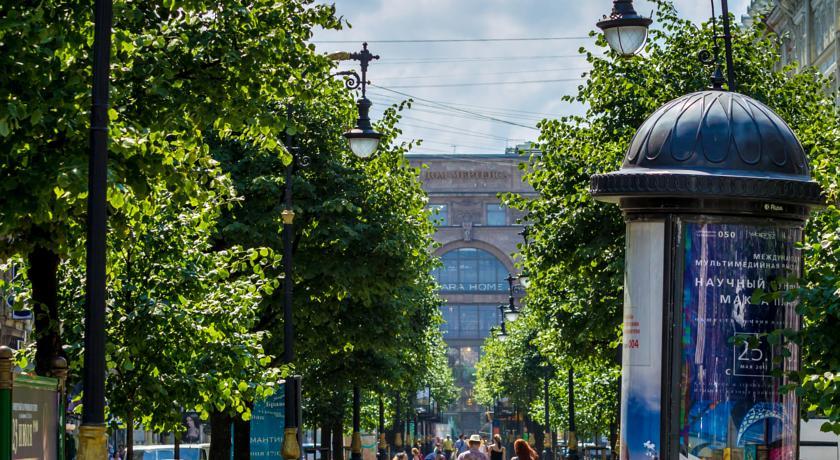 гостиницы Петербурга на Невском проспекте