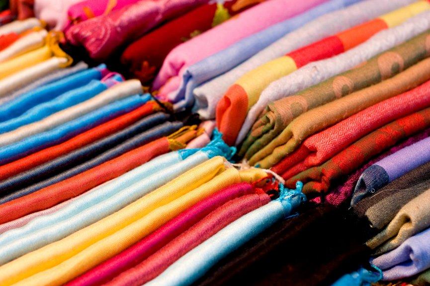 трикотажная одежда и постельное белье из сатина
