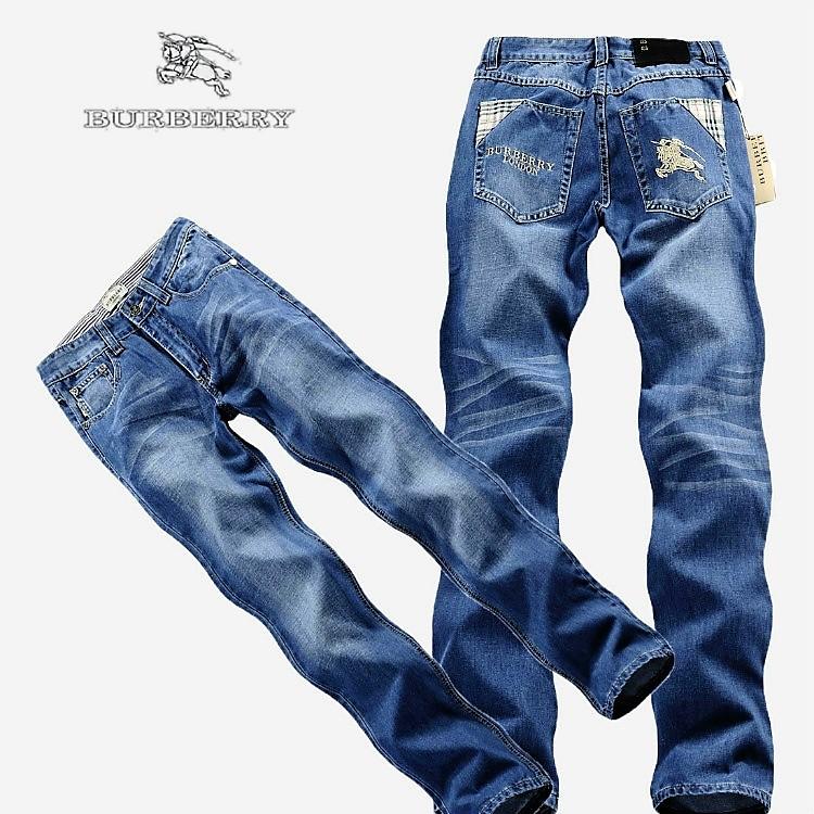 С чем носить джинсы Бербери