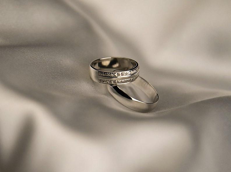 Как выбирать обручальные кольца